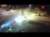 В Подмосковье полицейский сбил скутеристов: видео с камеры видеонаблюдения Можайска