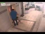 Мужчина не пощадил яйца ради спасения собаки