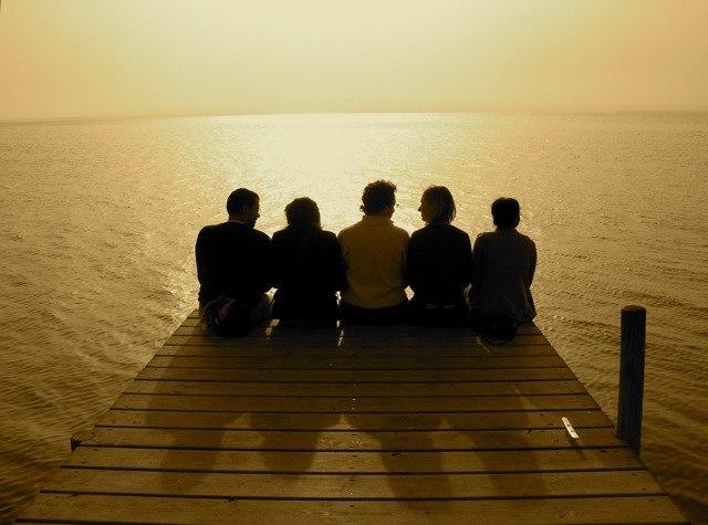 Уважения заслуживают те люди, которые независимо от ситуации, времени и места, остаются такими же, какие они есть на самом деле.