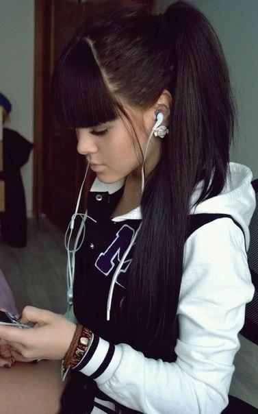 фото девушка с челкой