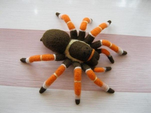 Декоративный венок к празднику Хэллоуин