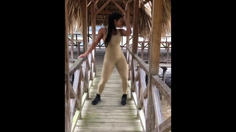 Sexy dance ass