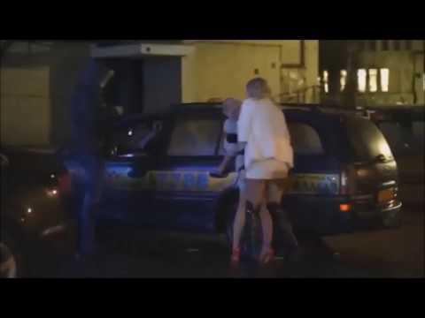 Две пьяненьких девчонки
