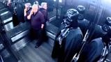Broma Darth Vader en el ascensor