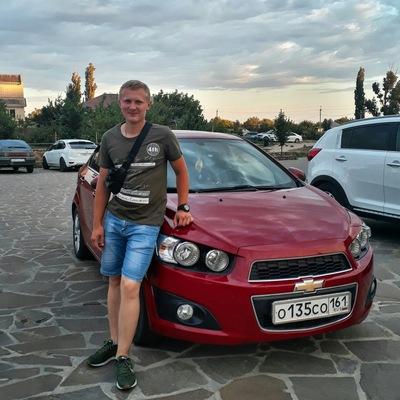 Игорь Надежин