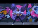 Танец Шаффл. Спортивные, подтянутые девченки танцуют. Haddaway - What Is Love.