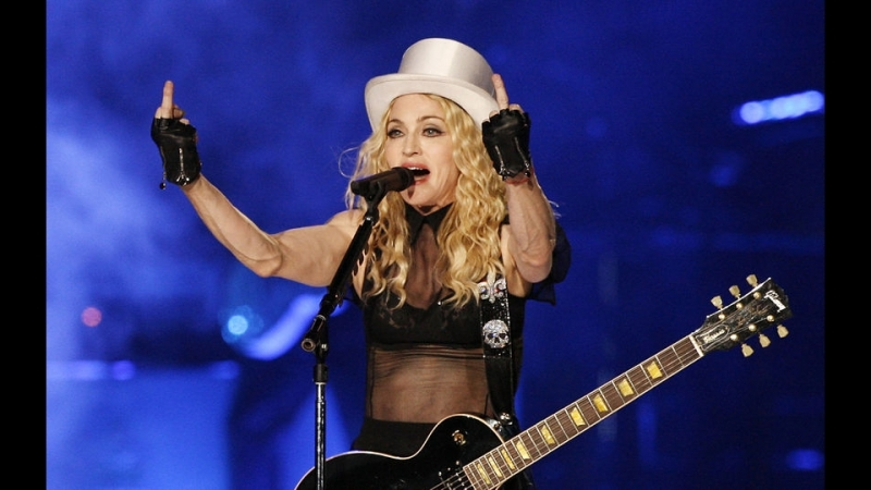 Madonna - Human Nature (Sticky Sweet Tour in Buenos Aires)