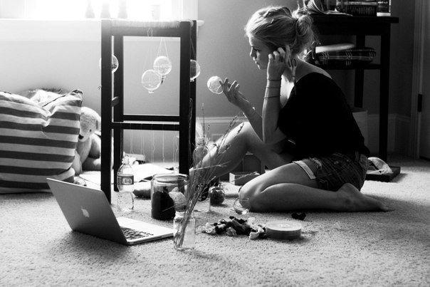 Иногда нужно просто отдохнуть от разочарований. Оставить в прошлом людей, которые приносят в жизнь всё больше печали и обид, вспомнить, о чем ты мечтаешь на самом деле, и начинать идти навстречу к своему счастью.
