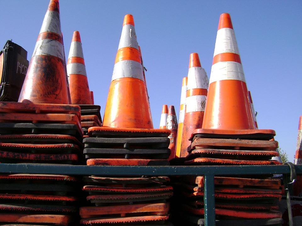 Движение по участку одной из улиц в СВАО ограничили до середины октября