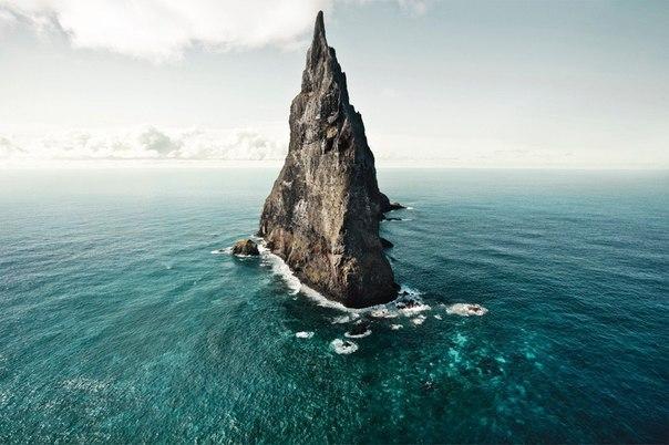 Пирамида Болла - самая большая скала в море