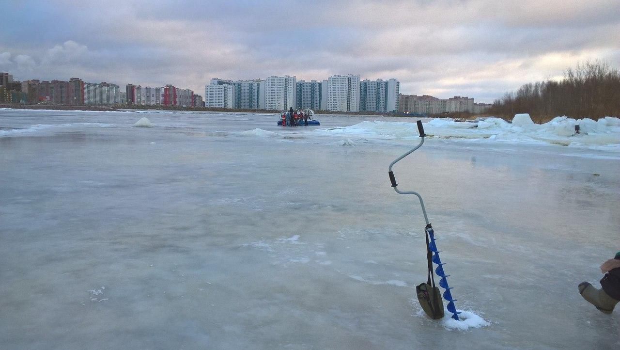 ВПетербурге подо льдом Дудергофского канала обнаружили тело девушки