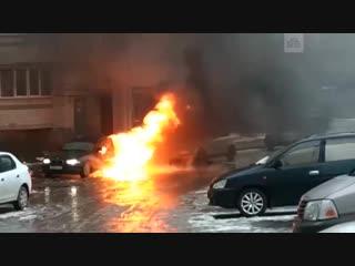 Водитель уснул в горящей машине