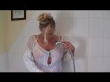 Зрелая сексуальная блондинка мамка в ванной с большой попкой большие сиськи грудь милф sexy milf mature mom, sexwife, hotwife, ч
