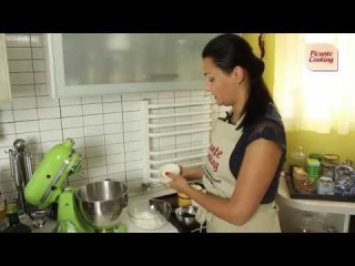 Оладьи на йогурте с голубикой. Видео-рецепт.
