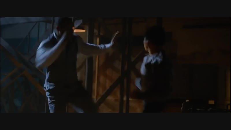 Тони Джаа и Майкл Джей Уайт (два мастера боевых искусств) (Муай Боран и Тайцзицюань) Бой из к/ф ''Работорговля'' 2014