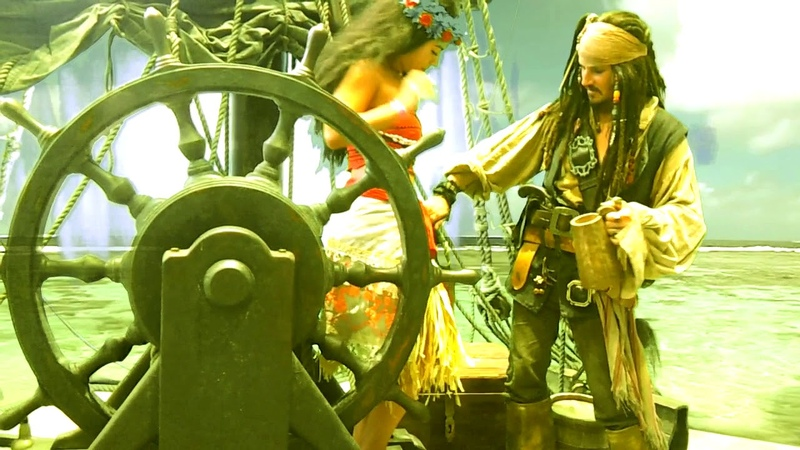 You're Welcome! Captain Jack Sparrow and Moana on BigFest Russia (cosplay by Vitaly Sparoff Maria)