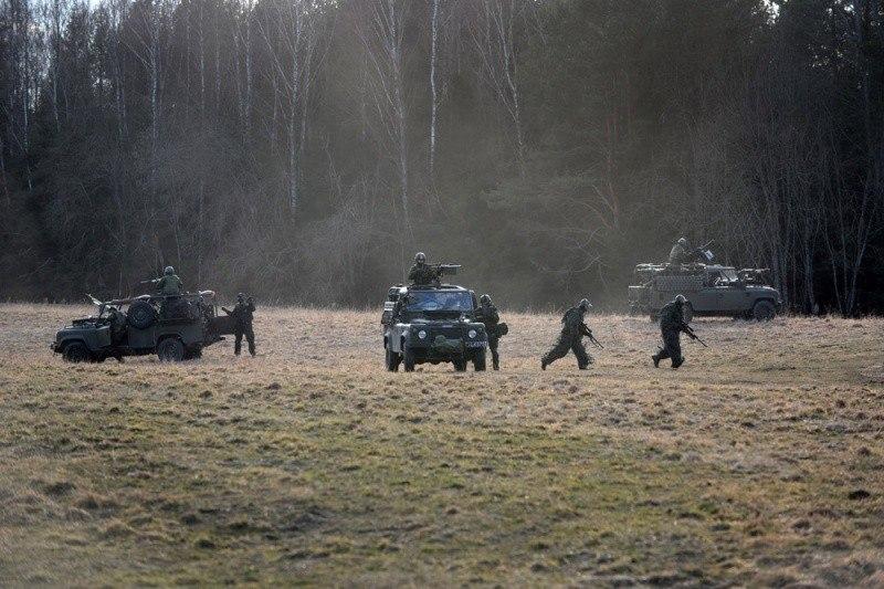 Armée lituanienne/Lithuanian Armed Forces - Page 3 ACnTmtnjUEk