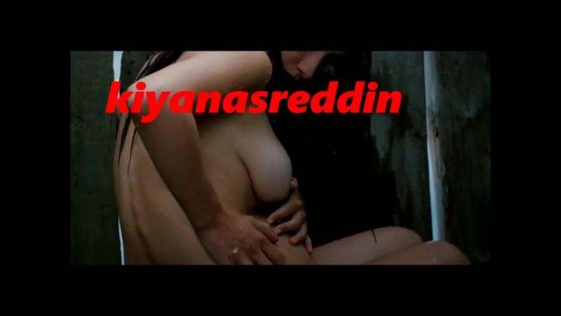 Türk filminde dağda baraka içinde anadan doğma yıkanmak -memelere gel -mal beyanı part 1- nude erotik bath in turk film