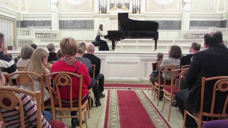 А.Н.Скрябин. Поэма Fis-dur, op.32. Исполняет Гилярова Мария.