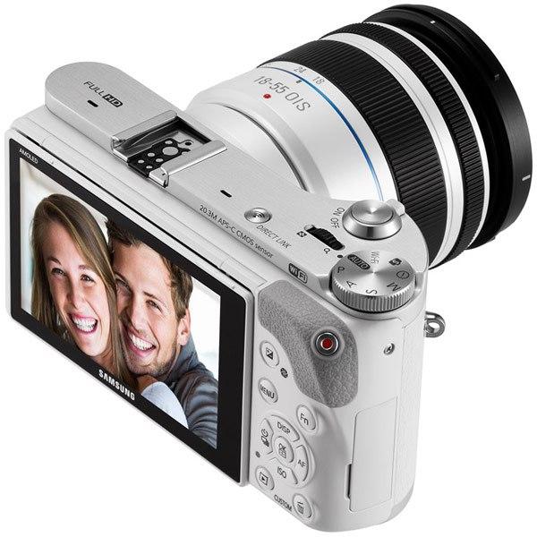 Камера Samsung NX300M работает под управлением ОС Tizen