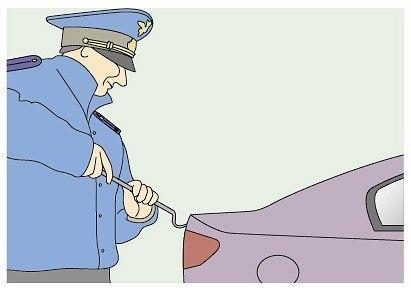 Вас просят открыть капот, багажник или двери автомобиля