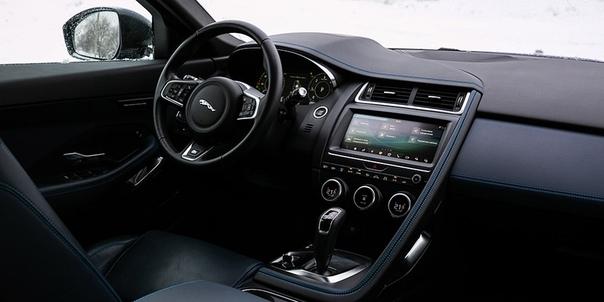 Мультфильмы для взрослых. Volvo XC40 против Jaguar E-Pace. Шведы давно научились делать кроссоверы, а англичане только пробуют новые для себя сегменты. Все это значит, что у немецкой тройки