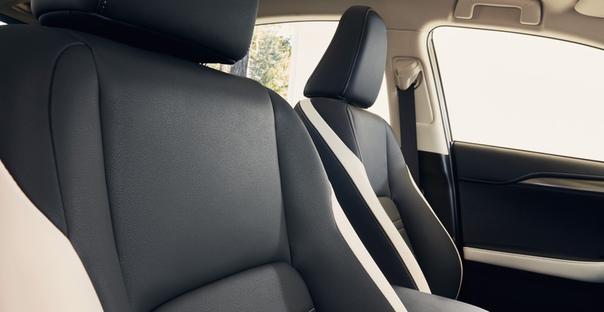 Кроссовер Lexus NX обзавелся спецверсией Blac Vision