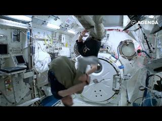 Как развлекаются астронавты