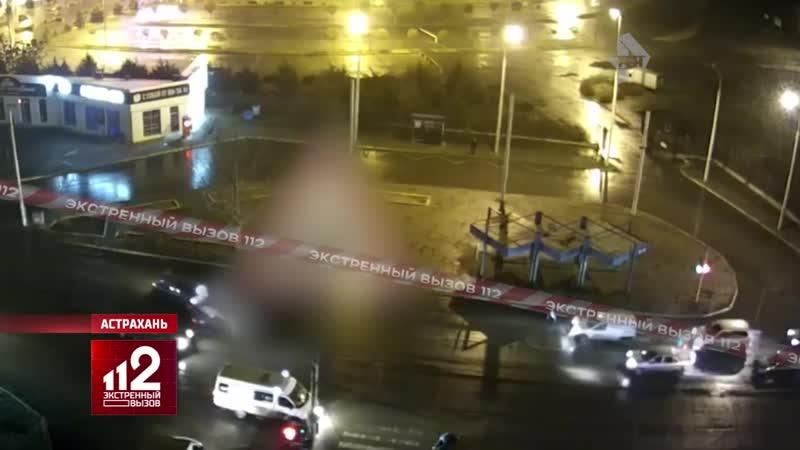 Таксист гоняется за пешеходом чтобы его задавить Видео