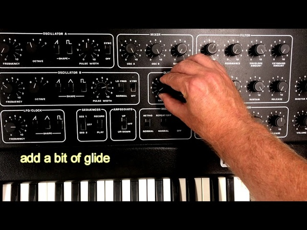 Re-creating the Weird Synth Loop from MEXICAN RADIO by Wall Of Voodoo