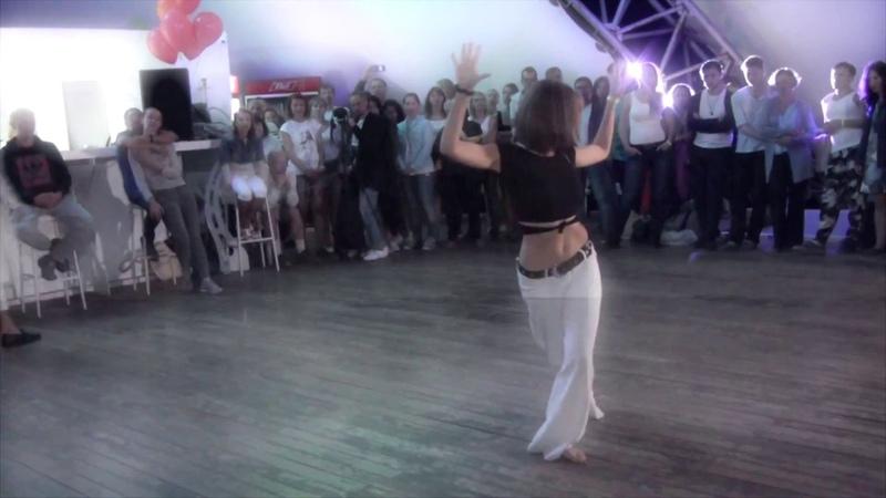 Евгения Барменкова импротанец на Q fest 2018