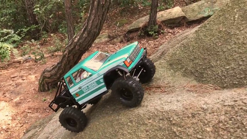 Gmade GS02 BOM 1/10 Scale Crawler In Action!
