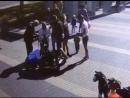 Внимание! Разыскивается мальчик, который во время катания на детской машинке по неосторожности совершил наезд на женщину