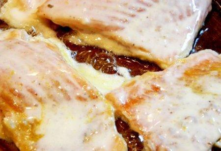 Хребты лосося жаренные в кляре