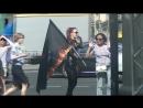 00027 Симпатичная Девушка с флагом.))