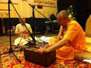 Niranjana Swami -- Kirtan -- Lviv (Ukraine), June 13, 2014