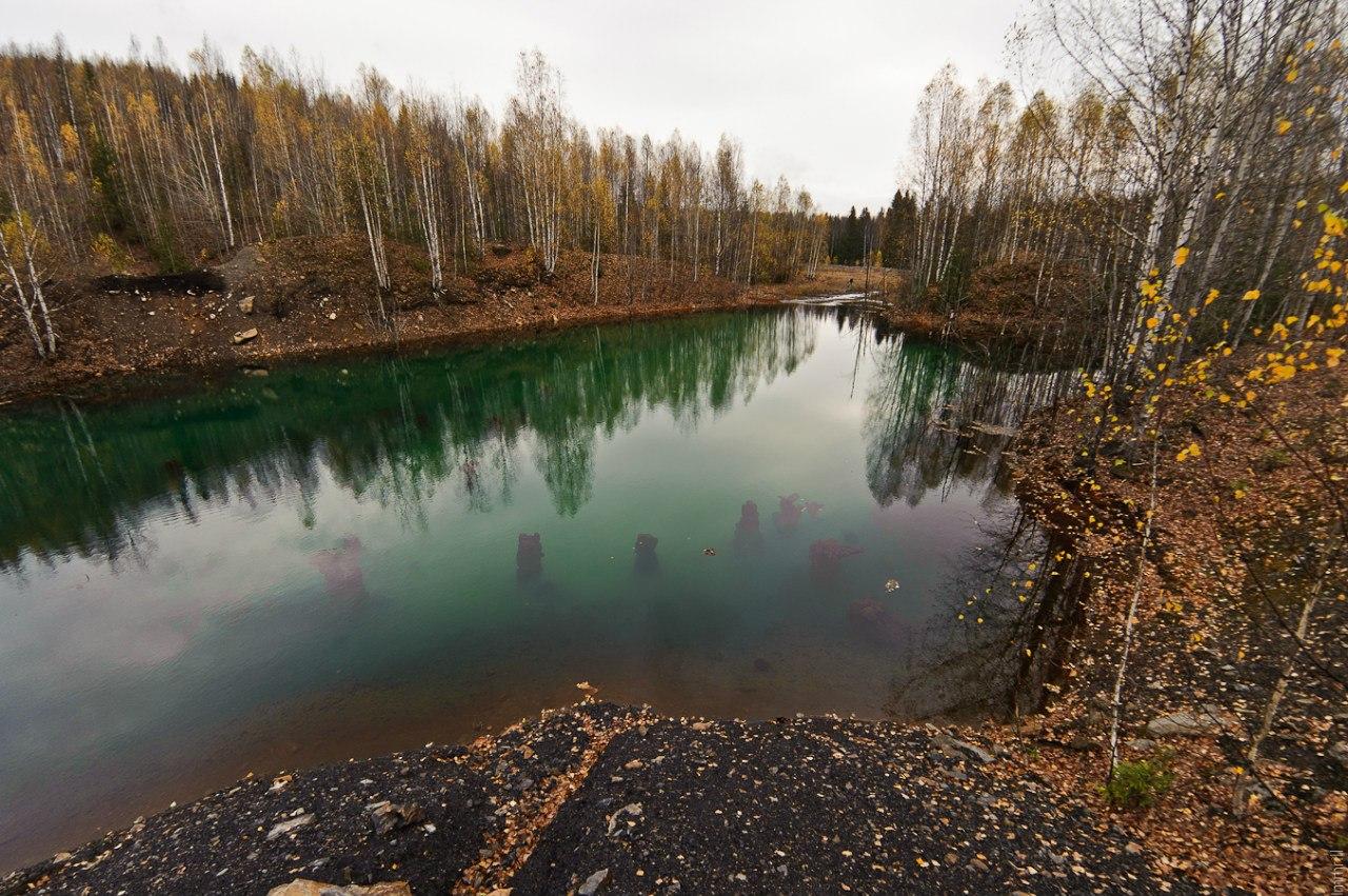 Озеро на месте угольного разреза