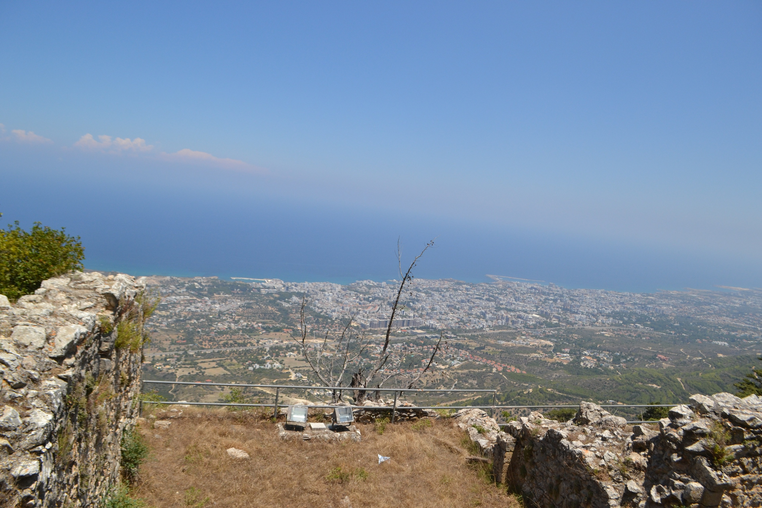 Северный Кипр. Замок Святого Иллариона. (фото). - Страница 2 AZhi5cGUBUA