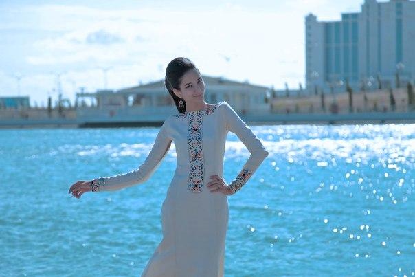 Myahri, la petite princesse de retour dans Turkménistan K1y4xjcT7WE