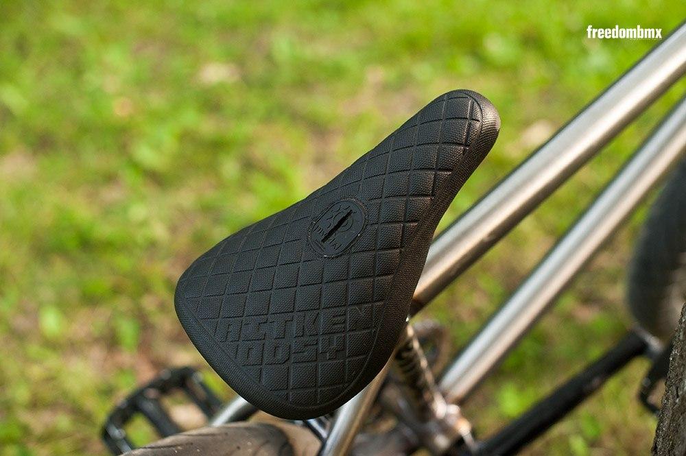 Tom Dugan bikecheck pivotal