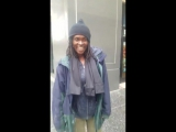 Бездомная женщина из Лос-Анджелеса поёт практически так же, как и Уитни Хьюстон