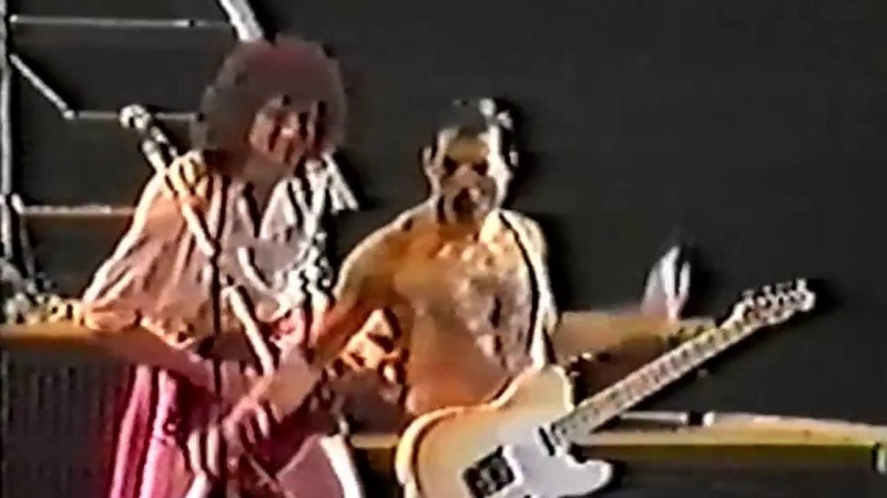 21 Crazy Little Thing Called Love Queen In Rio 12 1 1985 Filmed Concert