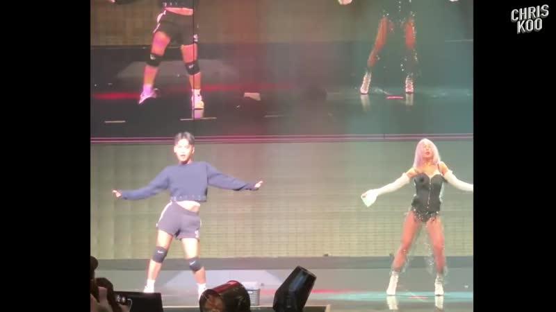 181110 Chris Koo x Hyolyn Special Stage @ TRUE Concert