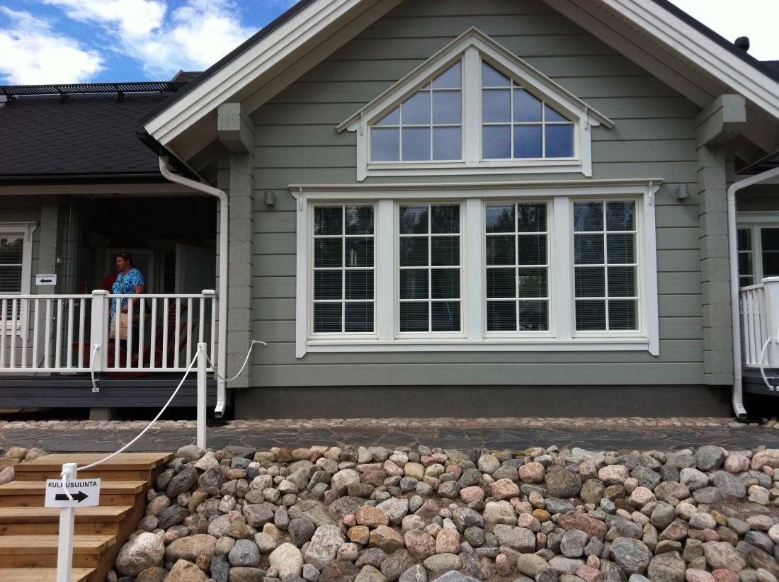 Чем покрасить деревянный дом снаружи  WGmujSVVTeo