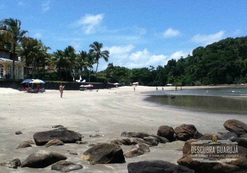 Vista da praia das Conchas em Guaruj#225;