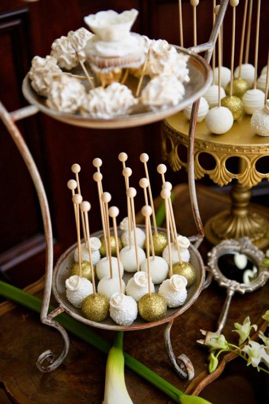 tUe5zUCGgl0 - Золотые и серебряные свадебные торты 2016 (70 фото)