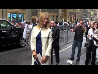 Uma Thurman arrives at Fashion Week in New York 09/15/11