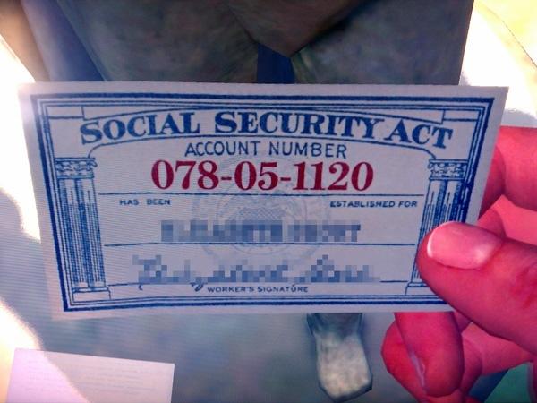У каждого гражданина США есть номер социального страхования SSN. Особенна интересна история номера 078-05-1120. В тридцатые годы один из производителей недорогих кожаных бумажников, чтобы