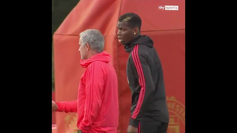 ManUtds training session between Paul Pogba and Mourinho