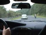 И кто с казал, что девушка за рулём - обезьяна с гранатой??? За рулём белого BMW М5 - Sabine Schmitz (блондинка...))))))